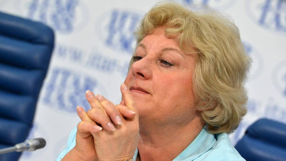 По словам представителя Российского союза туриндустрии Ирины Тюриной, туроператоры не ставят страховщикам ультиматумы, а уговаривают их подождать с деньгами