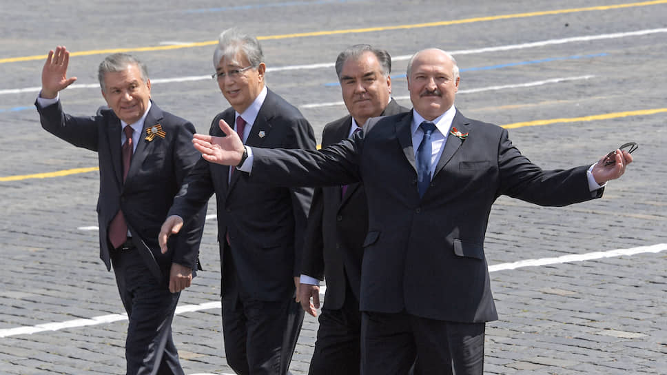 Президент Белоруссии Александр Лукашенко, приехав в Москву, на людей посмотрел, а главное, себя показал