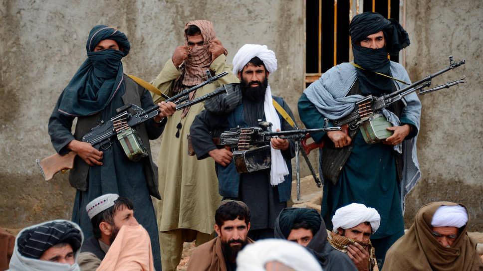 Утверждение талибов о том, что они не имеют дела ни с одной из иностранных спецслужб, не вполне соответствует действительности. Их связь с Межведомственной разведкой Пакистана — общеизвестный факт