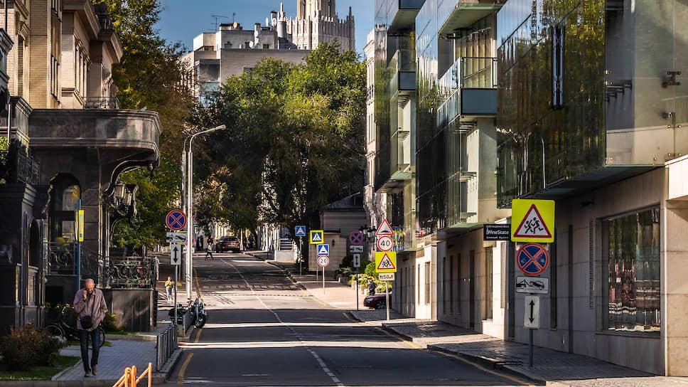 Элитное жилье не выдержало стресса  / Спрос на дорогую недвижимость упал на треть