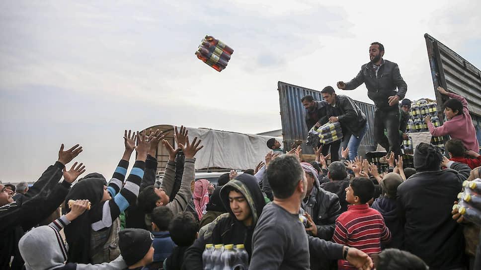 Россия и Китай недовольны тем, что часть гуманитарной помощи, идущей в Идлиб, оказывается в руках террористов