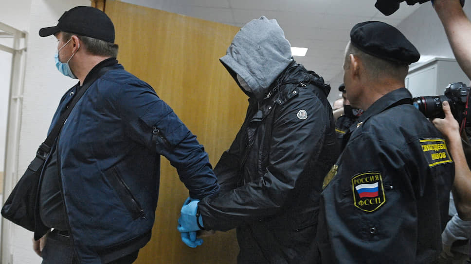 Ближайшие два месяца Сергей Емельченков проведет дома