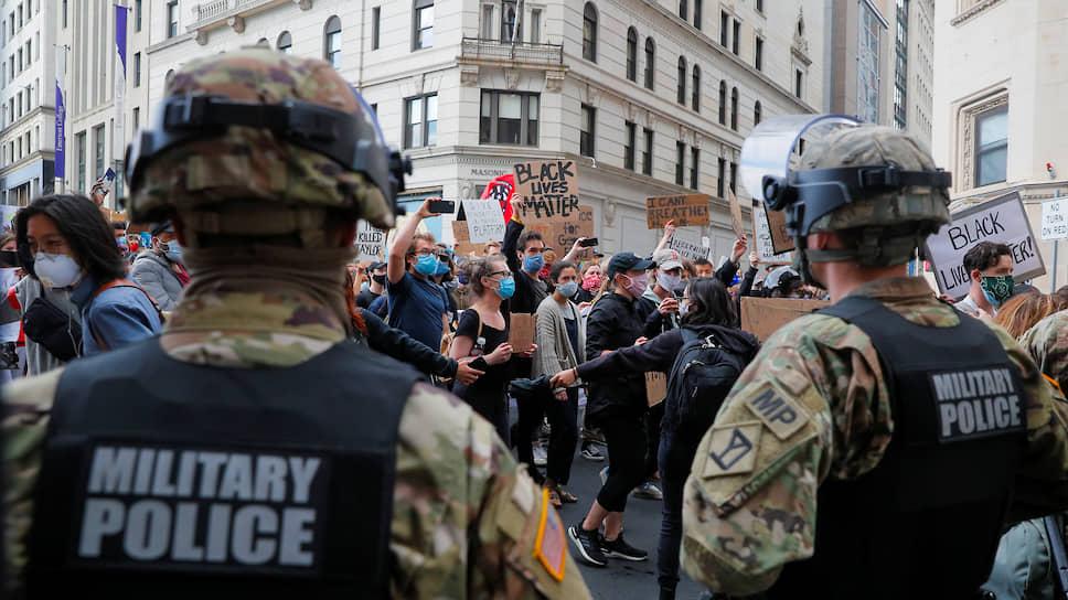 Законопроект предполагает запрет на использование для подавления беспорядков военнослужащих, которых недавно привлекали, в частности, для разгона демонстраций против расизма и полицейского произвола