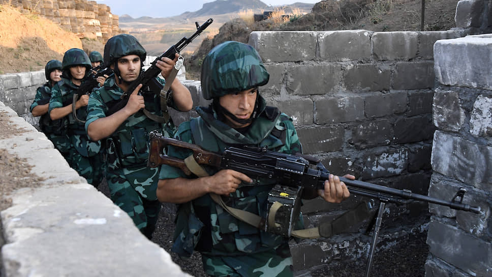 Сухопутные силы будут оттачивать боевые навыки в районе Баку, а также в Нахичевани — анклаве, который отделен от основной территории Азербайджана полоской армянской территории
