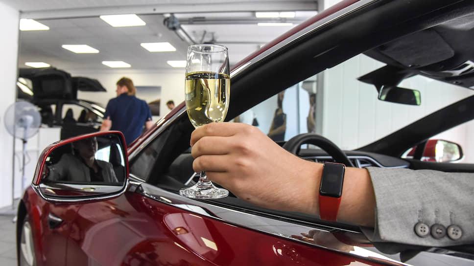 Когда в России планируют внедрить алкозамки в автомобили
