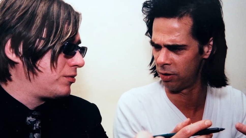 Благодаря FeeLee состоялись прорывные гастроли многих музыкантов — например, группы Nick Cave and the Bad Seeds (справа — Ник Кейв, слева — гитарист группы Бликса Баргельд)