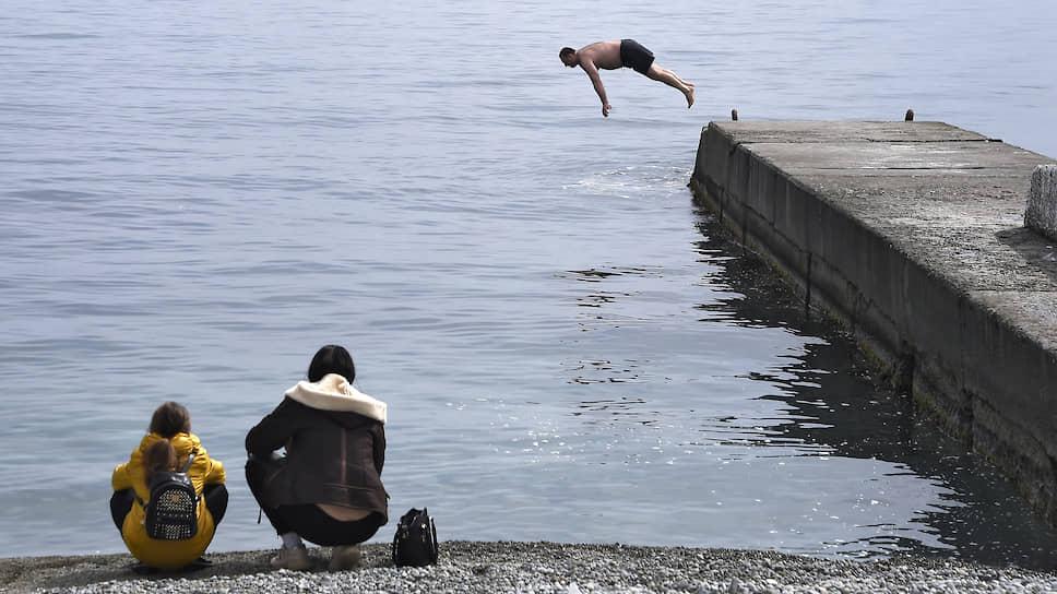 Жжем у моря погоды / Экономика уже поглотила отложенный спрос и ждет, что будет дальше