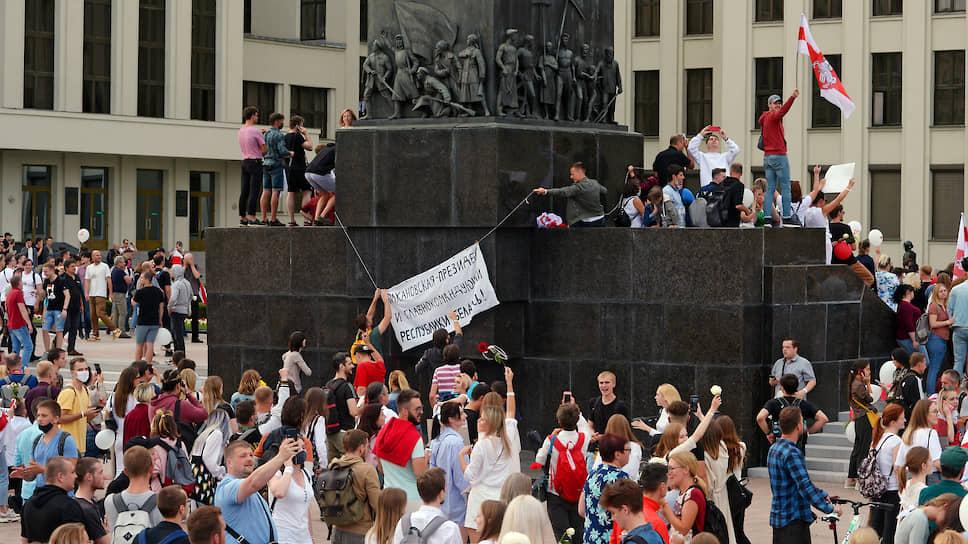 Посябру-поздорову / Александр Лукашенко прекратил насилие, и его насильно никто не гонит — только мирно