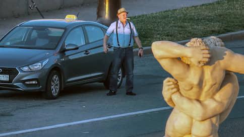 Таксистов сфотографируют в профиль  / Власти усиливают контроль за перевозками с помощью цифровых сервисов