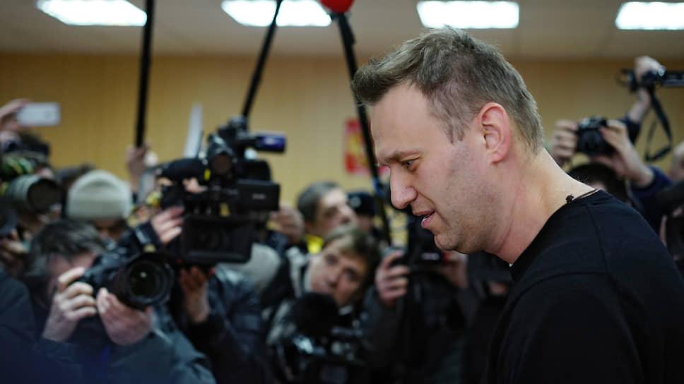 Соратники Алексея Навального (на фото) уверены, что он стал жертвой отравления из-за своей политической деятельности