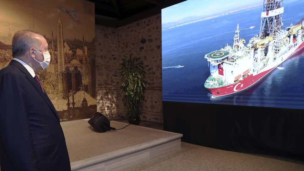 Не нужен им берег российский / Турция нашла в Черном море свой собственный «Газпром»