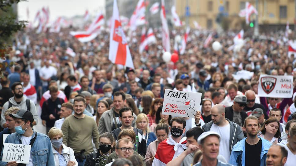 Одним из символов протестующих стал гусь, кричащий: «Га-а-га». Именно Международный суд в Гааге демонстранты считают для президента Лукашенко самым подходящим местом