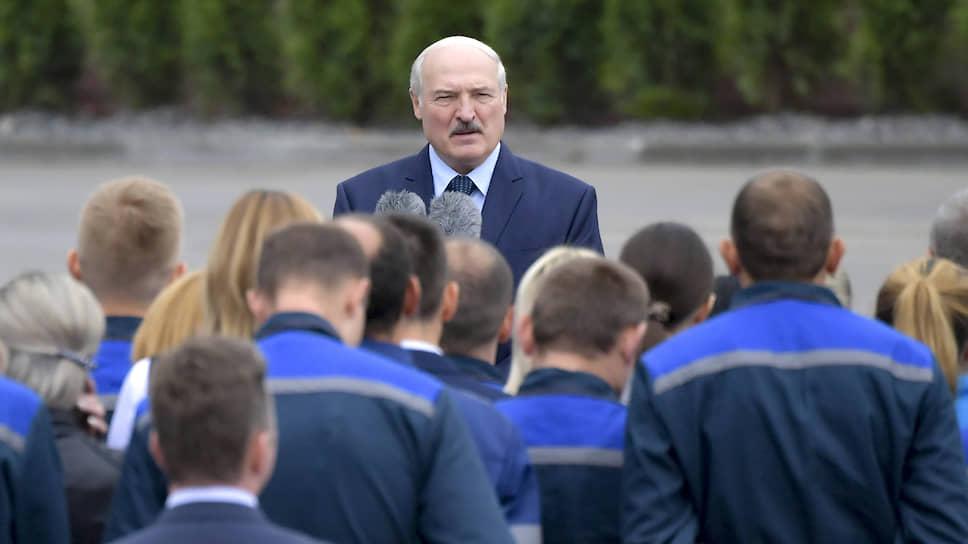 Александр Лукашенко готов просто закрывать объявляющие против него санкции страны Европы, как бастующие предприятия у себя дома