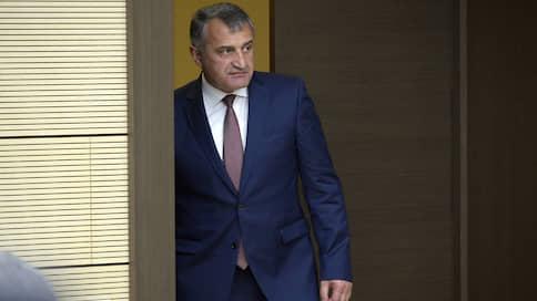 Южная Осетия не вынесла жестокого обращения  / Митинги после смерти задержанного МВД жителя Цхинвала привели к отставке правительства
