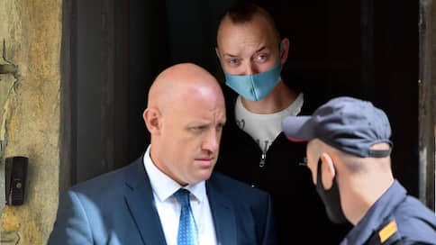 Сто поручительств не стоят одного ходатайства // По просьбе ФСБ суд продлил арест Ивана Сафронова