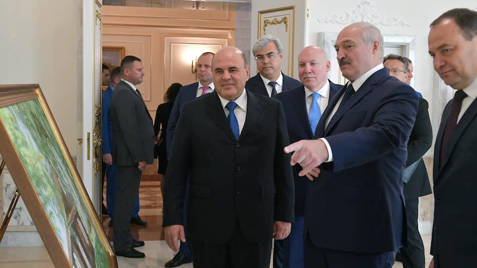 Премьер-министр России (слева) Михаил Мишустин и президент Белоруссии Александр Лукашенко