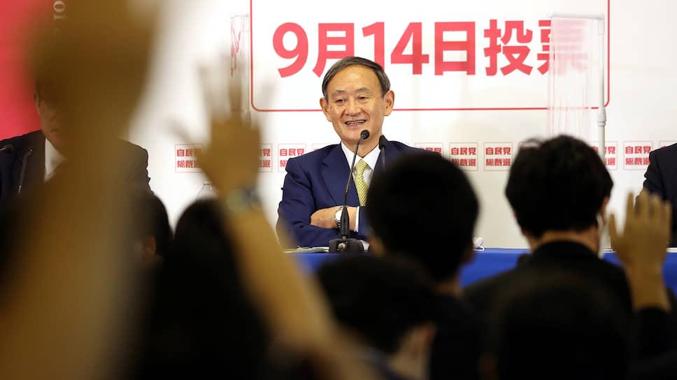 Генсек кабинета министров Японии Ёсихидэ Суга