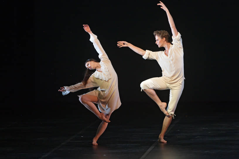 В интерпретации Марии Бек и Дениса Дмитриева соблазнитель оказался соблазняемым (дуэт из балета «Парк»)