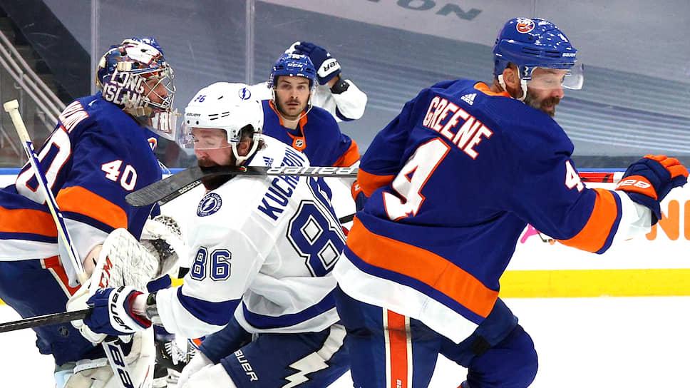 Форвард «Тампы» Никита Кучеров (№86), возглавляющий с 26 очками бомбардирскую гонку кубковой стадии,— главный претендент на звание самого ценного игрока play-off чемпионата НХЛ