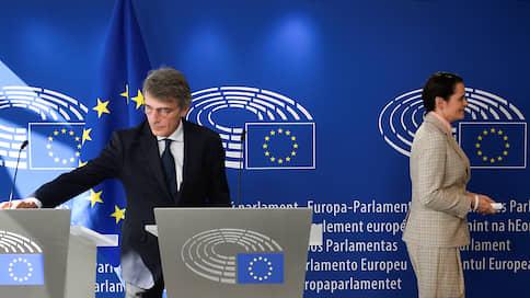 Ужель та самая Светлана / Главную соперницу Александра Лукашенко приняли в Брюсселе, а санкции против него — нет