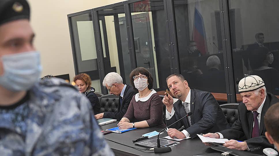 Слева направо: адвокаты Мария Эйсмонт, Михаил Бирюков, Вера Гончарова, Александр Пиховкин