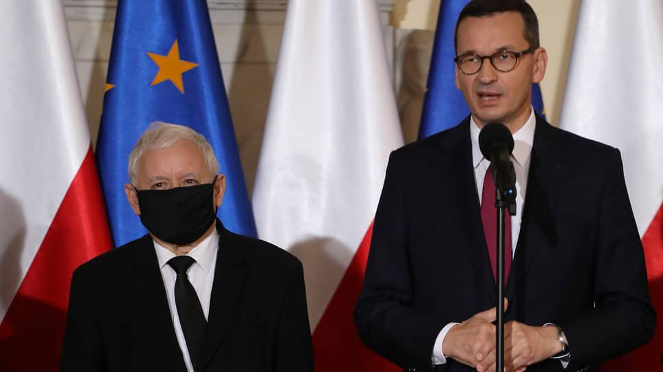 В Польше задаются вопросом, насколько стабильным будет правительство, в котором премьер Матеуш Моравецкий (справа) будет де-факто находиться в подчинении вице-премьера Ярослава Качиньского