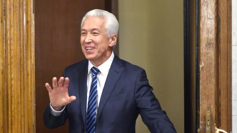 Владимир Васильев уступил пост главы республики генералу Меликову