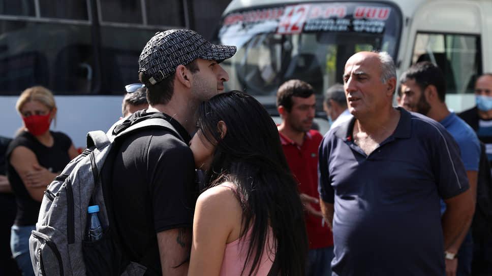 Карабах обрастает миротворцами