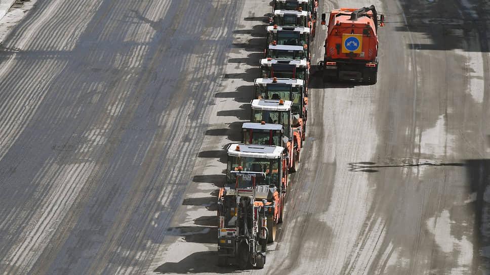 Асфальт дождался триллионов  / Нацпроект «Безопасные и качественные автодороги» доработали по поручению Владимира Путина