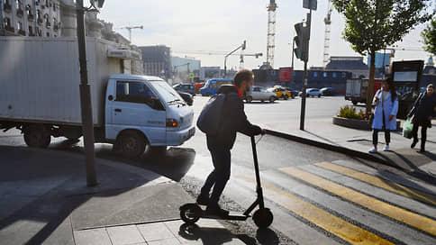 Инструкция следует за пешеходом  / ГИБДД разъяснила, за какие нарушения на переходах не нужно штрафовать водителей