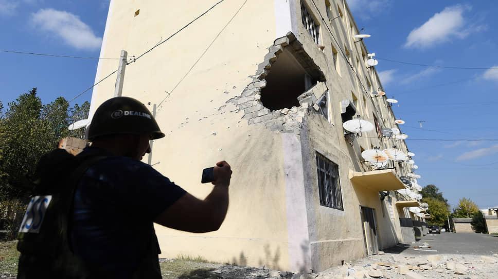 Жилые дома попадают под ракетные удары как в Азербайджане (на фото), так и в непризнанной Нагорно-Карабахской Республике
