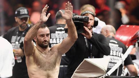 Мурату Гассиеву поменяли ветерана  / Он дебютирует в супертяжелом весе боем против Сефера Сефери