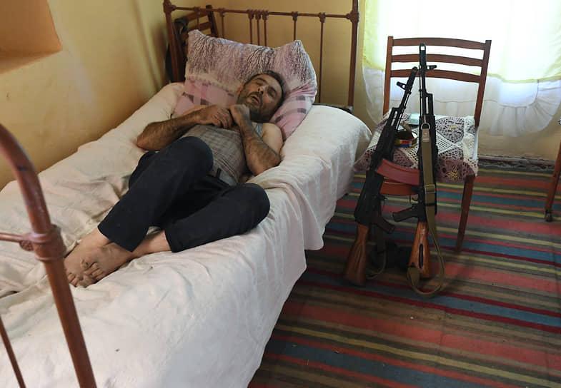 Отдыхающий житель Гардрудского района Нагорного Карабаха