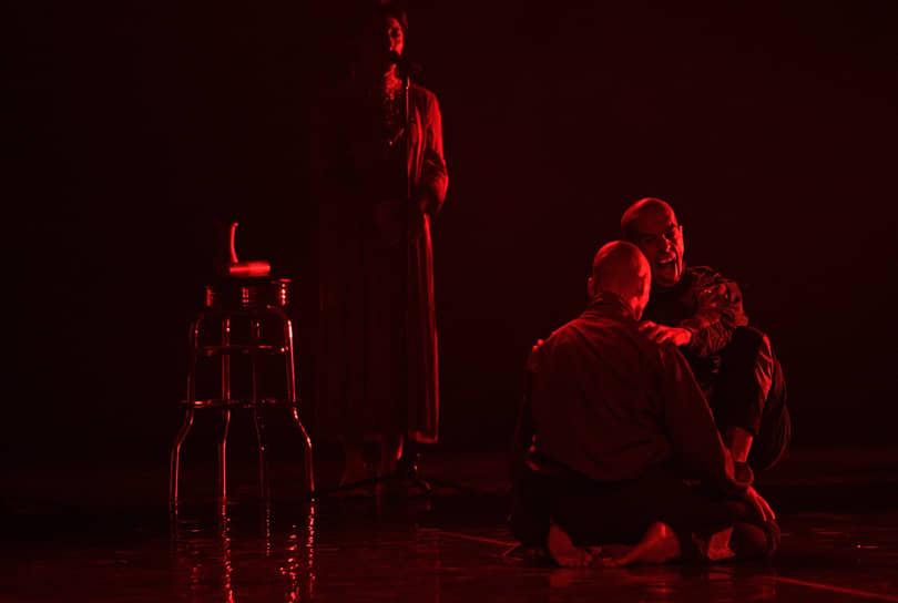 Спектакль хореографа Нурбека Батуллы «sak-sok»