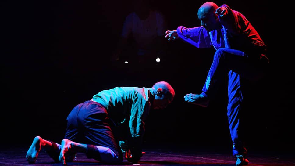 В миниатюре «sak-sok» древние инстинкты послужили на благо современной хореографии