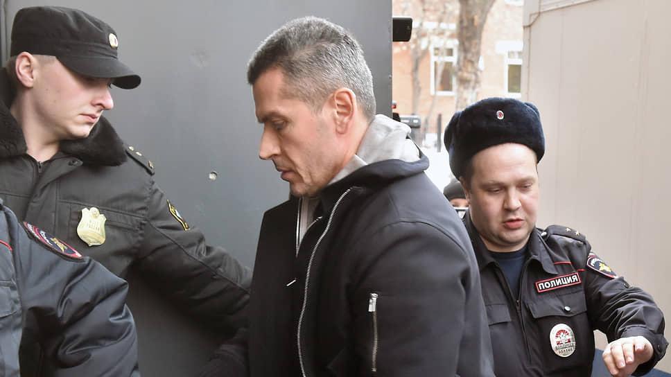 Прокуратура изучит «Сумму» доказательств / Дело братьев Магомедовых, изобличенных свидетелем Испанцем, направлено на утверждение обвинения