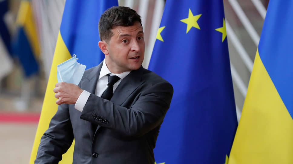 Какие пять вопросов Владимир Зеленский решил задать украинцам