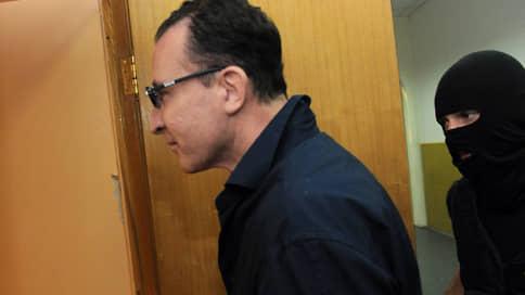 Полковнику компенсировали пребывание в СИЗО  / Экс-сотрудник МВД добился выплаты 5млн руб. за незаконное уголовное преследование