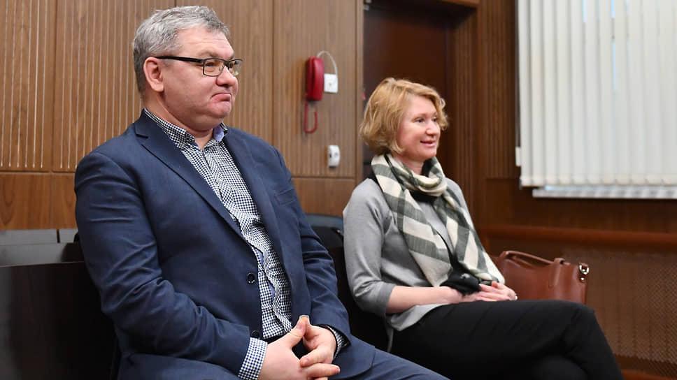 Бывшие гендиректор «ВИМ-Авиа» Александр Кочнев и бухгалтер Екатерина Пантелеева