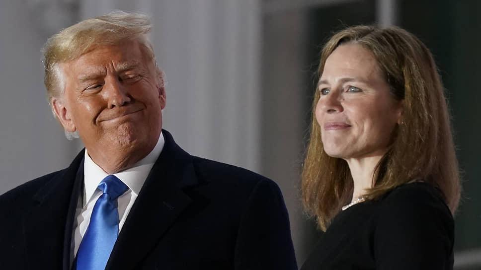 Сенат США утвердил предложенную президентом Дональдом Трампом кандидатуру судьи-консерватора Эми Кони Барретт