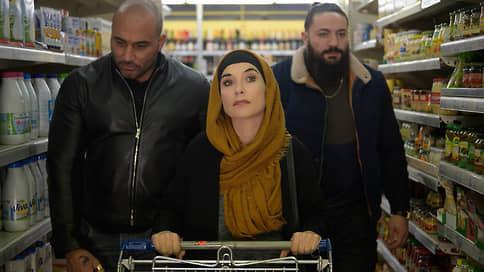 Хиджаб ей к лицу // Традиции французской комедии в Крестной маме