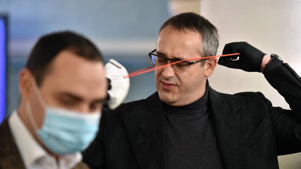 Председатель Мосгордумы Алексей Шапошников (справа) считает московские электронные технологии более продвинутыми, чем федеральные