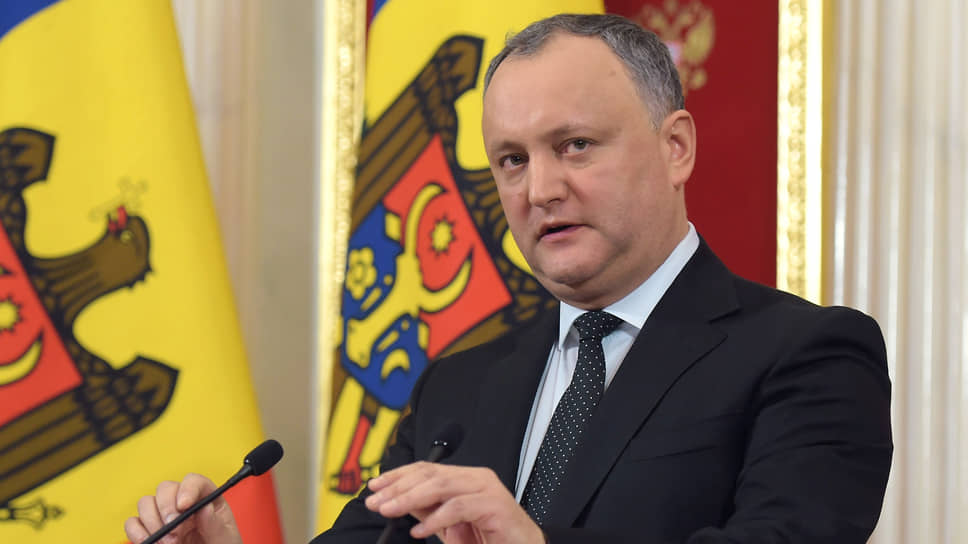 Президент Молдавии Игорь Додон обещает в случае своего переизбрания сделать страну «мостом между Востоком и Западом»