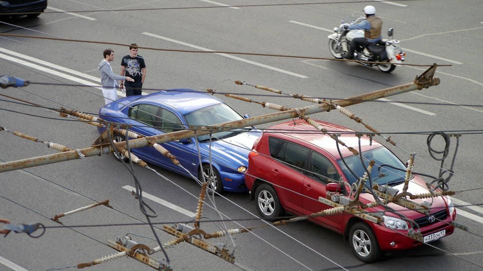 В столице пришли к выводу, что правила оформления аварий провоцируют новые аварии