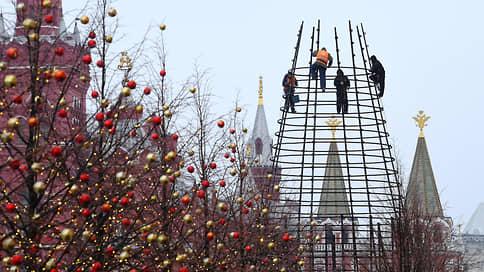 Китайские елочные игрушки  / Конец года экономика встречает без потрясений и без праздничного настроения