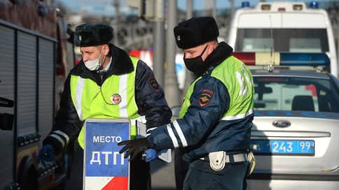 Инспекторов оставляют без носилок и пластырей  / Минздрав меняет комплекты для оказания первой помощи в ДТП