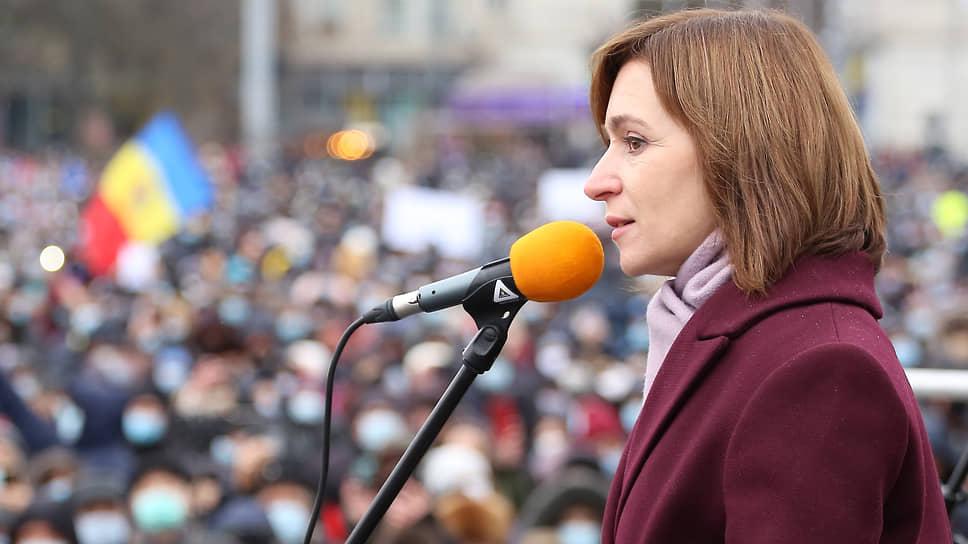 Антироссийские лозунги на митингах Майи Санду могут выдавить ее в радикально правое поле, из которого она небезуспешно пыталась выбраться во время президентской кампании