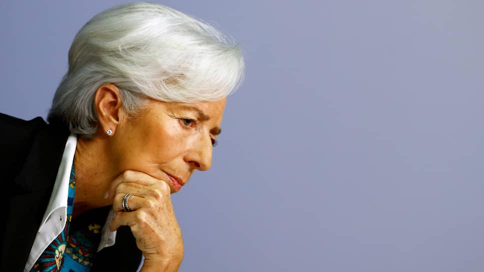 Глава ЕЦБ Кристин Лагард ожидает, что вернувшиеся ограничения в конце года могут оказать угнетающее влияние на деловую активность в зоне евро