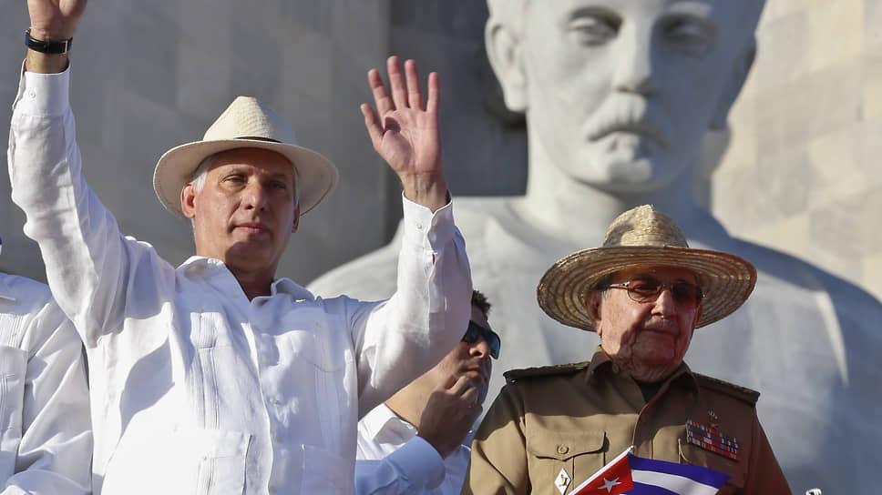 Кубинский президент Мигель Диас-Канель (слева) дал старт унификации курсов кубинского «инвалютного» и «внутреннего» песо