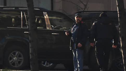 Фотопобои  / Дело о нападении на фотокорреспондента «Коммерсанта» Анатолия Жданова просят передать из полиции в СКР